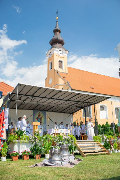 Žehnání nových zvonů Maria a Sv. Havel
